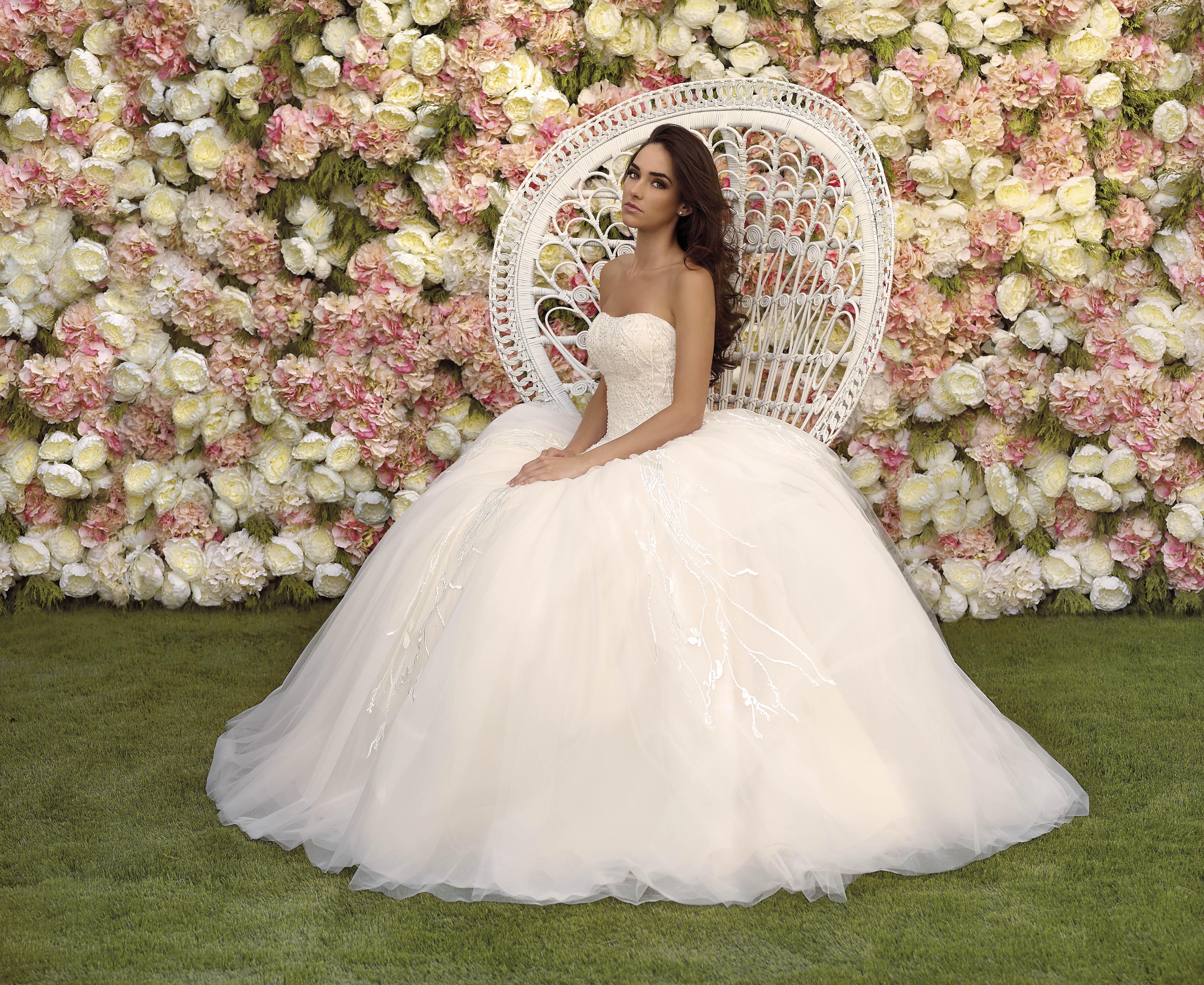 40c91a138 Tendencias de novia 2018  ¡A la moda en tu boda! - Vertize Gala Blog